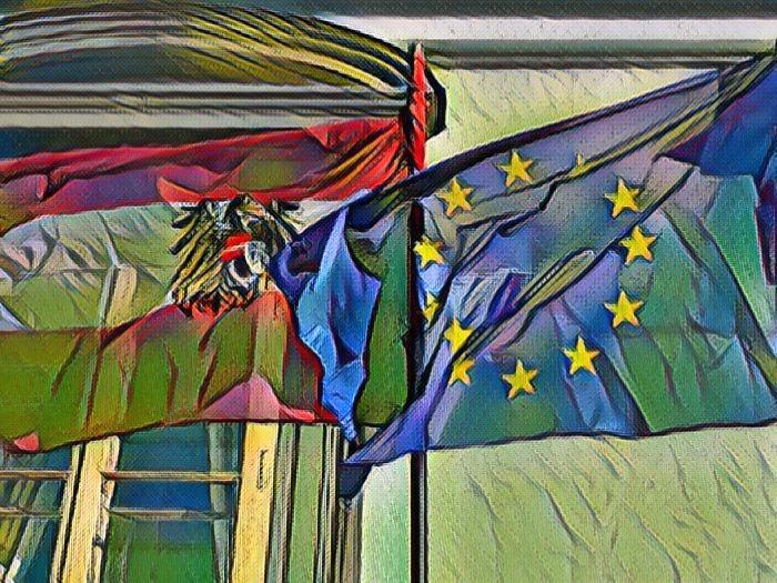 Флаги Австрии и ЕС