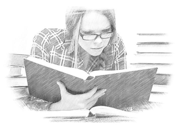 Студентка читает книгу